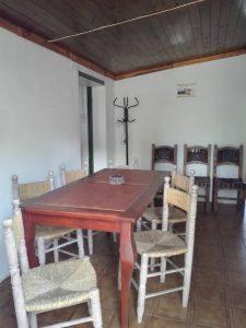 HostelComedorMesa